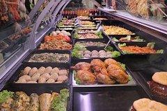 Как не отравиться готовой едой: на что нужно обратить внимание