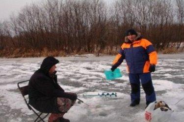 МЧС: Жителям Хабаровского края не рекомендуют выходить и выезжать на тонкий лед
