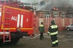 В Хабаровске загорелось кафе