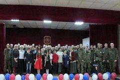 В Хабаровске дети и ветераны поздравили солдат с 23 февраля