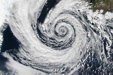 К Хабаровскому краю приближается мощный циклон