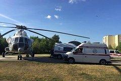 Новорожденного ребенка и двух взрослых в тяжелом состоянии доставили вертолетом в Хабаровск