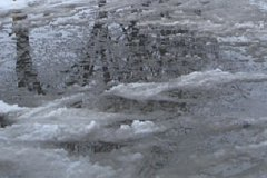 Улицу затопило в Комсомольске из-за коммунальной аварии