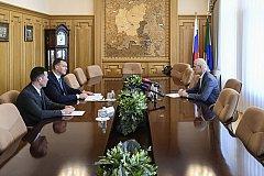 Михаил Дегтярев попросил у главы Минспорта РФ отремонтировать Легкоатлетический манеж