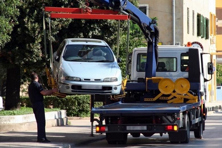 В Комсомольске эвакуатор повалил столб на дорожного рабочего, мужчина погиб фото 2