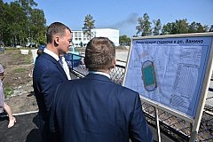 По инициативе Михаила Дегтярева идет реконструкция стадиона в Ванино