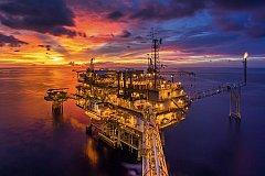 Цены на нефть достигли многолетних максимумов из-за энергетического кризиса