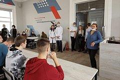 """В """"красных зонах"""" хабаровских """"ковидных"""" госпиталей работают 90 студентов и ординаторов ДВГМУ"""